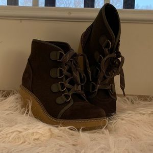 Thick Laced Spring Wedges